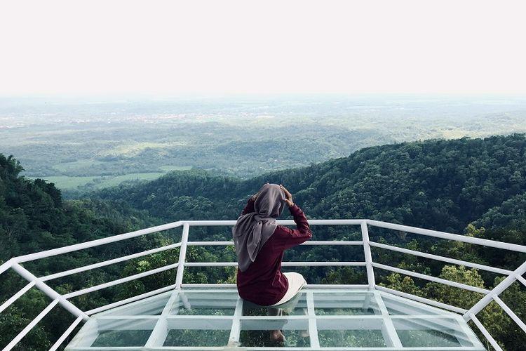 Tempat wisata Canting Mas Puncak Dipowono di Kulon Progo, Yogyakarta.
