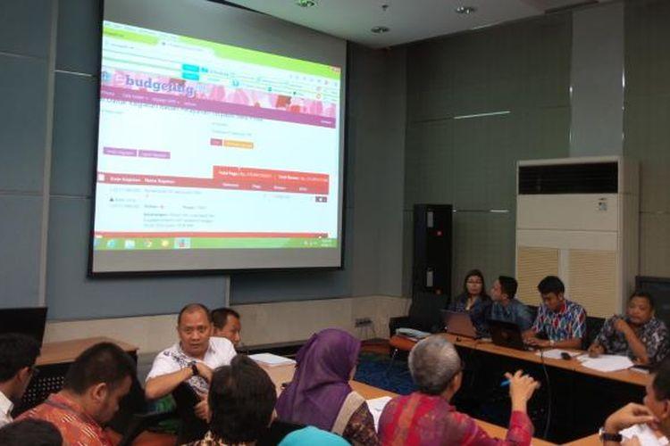 Suasana rapat input e-budgeting RAPBD DKI Jakarta 2015 yang berlangsung, di Balai Kota, Kamis (19/3/2015)