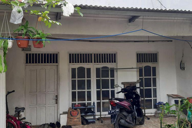Kondisi rumah pelaku teror Mabes Polri, Zakiah Aini, di RT 03/10 Kelapa Dua Wetan, Ciracas, Jakarta Timur. Foto diambil pada Kamis (1/4/2021) siang.