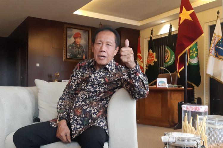 Gubernur DKI Jakarta periode 1997-2007 Letnan Jenderal TNI (Purn) Sutiyoso
