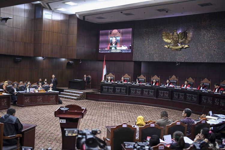 Suasana sidang perdana Perselisihan Hasil Pemilihan Umum (PHPU) sengketa Pilpres 2019 di Mahkamah Konstitusi, Jakarta, Jumat (14/6/2019).