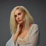 Bikin Pangling, Demi Moore Ubah Warna Rambut Jadi Blonde