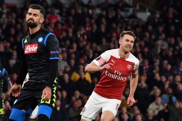 Aaron Ramsey merayakan golnya pada pertandingan Arsenal vs Napoli dalam laga perempat final Liga Europa di Stadion Emirates, 11 April 2019.