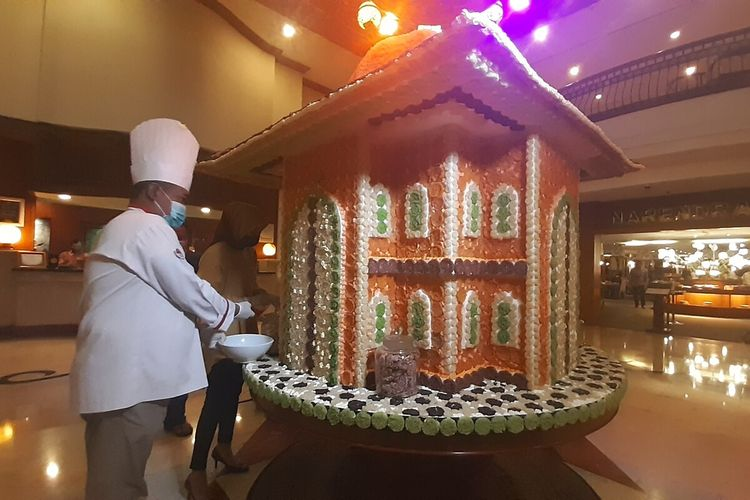 A mosque miniature made from traditional Indonesian snack rengginang is installed in the lobby of The Sunan Hotel Solo, Central Java.