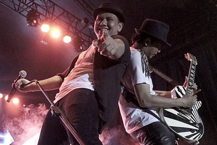 Padi Reborn tampil di Konser SuperMusic.id Dare to Rock 2018 yang diadakan di Lapangan PIK, Cakung, Jakarta Timur pada Jumat (20/4/2018) lalu.