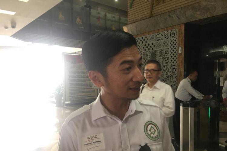 Ketua Umum PB Perbasasi Andhika Mohammad Yudhistira Monoarfa saat menyambangi Kantor Kemenpora, Jakarta, Senin (4/3/2019).