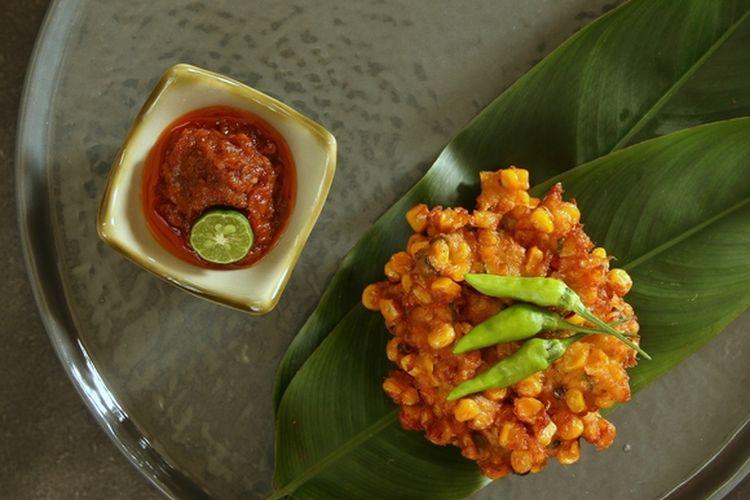 Sambal roa khas Manado untuk cocolan dadar jagung.