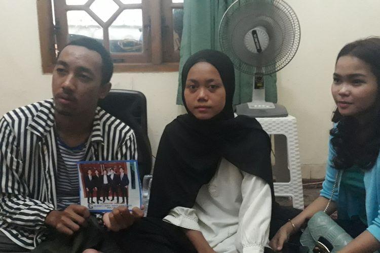 Fajar (19), Relwandani (18), dan Wulan (18), Rabu (13/11/2019), pengguna skuter listrik yang alami kecelakaan ditabrak mobil Camry pada Minggu (10/11/2019) dini hari.