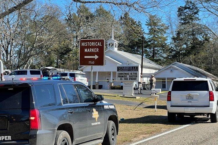 Kantor Sheriff Smith County menyelidiki insiden penembakan yang fatal di Gereja Metodis Starville di Winona, Texas, pada Minggu pagi, 3 Januari 2021. Seorang tersangka yang melarikan diri telah ditangkap, kata kantor sheriff.
