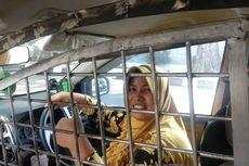 Tangkal Begal, Ibu Driver Taksi Online Ini Pasang Teralis di Mobilnya