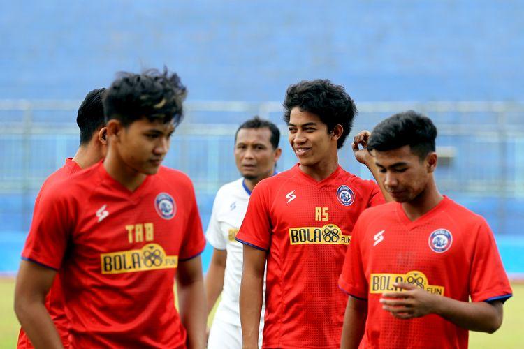Pemain muda Arema FC musim 2020, Aji Saka (tengah).