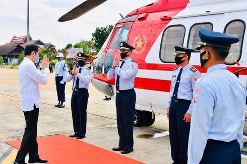 Gunakan Heli Merah Putih, Presiden Jokowi Tiba di Kapuas