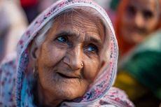 Wajah Protes Damai di Daerah Muslim, Nenek Ini Masuk Majalah Time