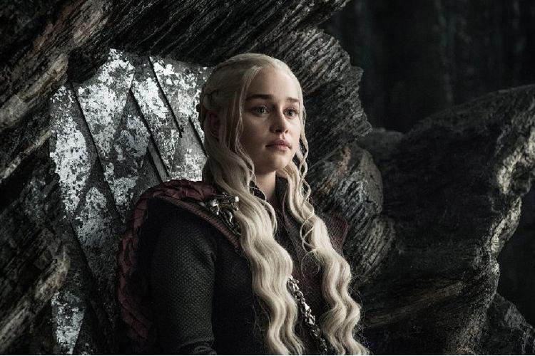 Danaerys Targaryen (Emilia Clarke) dikisahkan menguasai bahasa Valyrian.