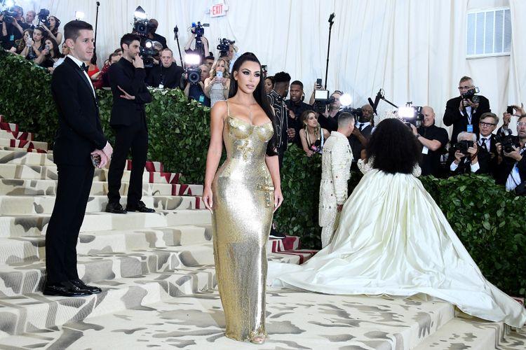 Kim Kardashian saat menghadiri acara bertema Heavenly Bodies di The Metropolitan Museum of Art pada 7 Mei 2018 di New York City.   Noam Galai/Getty Images for New York Magazine/AFP