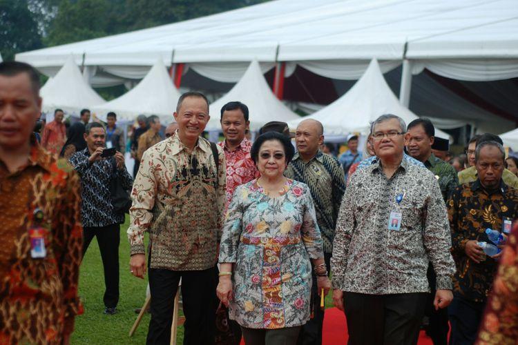 ibu Megawati Soekarnoputri dalam acara hut Kebun Raya Indonesia