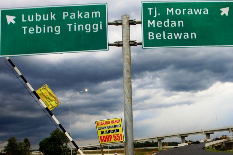 Jalan Tol Kualanamu - Seirampah sepanjang 41 kilometer menjadi jalur alternatif para pemudik meski statusnya masih uji coba, Rabu (14/6/2017)