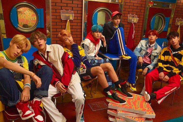 BTS menepati janji mereka pada penggemar untuk comeback di bulan September 2017. Karya terbaru mereka yang berjudul Love Yourself: Her, sudah bisa didengarkan di berbagai platform musik.