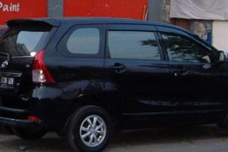 Toyota Avanza G A/T 2013 milik Oktavianus siap dimodifikasi di bengkel bodi.