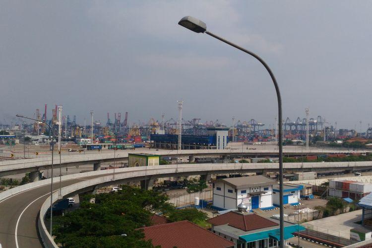 Pembangunan Jalan Tol Akses Tanjung Priok dilakukan selama 8 tahun dengan dana Rp 5 triliun.