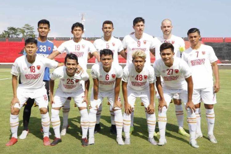 Dedy Gusmawan bersama Tim barony di 2020, PSM Makassar saat melawan Lalenok United dalam ajang Piala AFC yang berakhir dengen skor 1-4 di Stadion Kapten I Wayan Dipta Gianyar, Bali, Rabu (22/1/2020) malam.