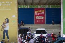 Meski PSBB, Pedagang Pasar Tanah Abang Beramai-ramai Jualan di Trotoar