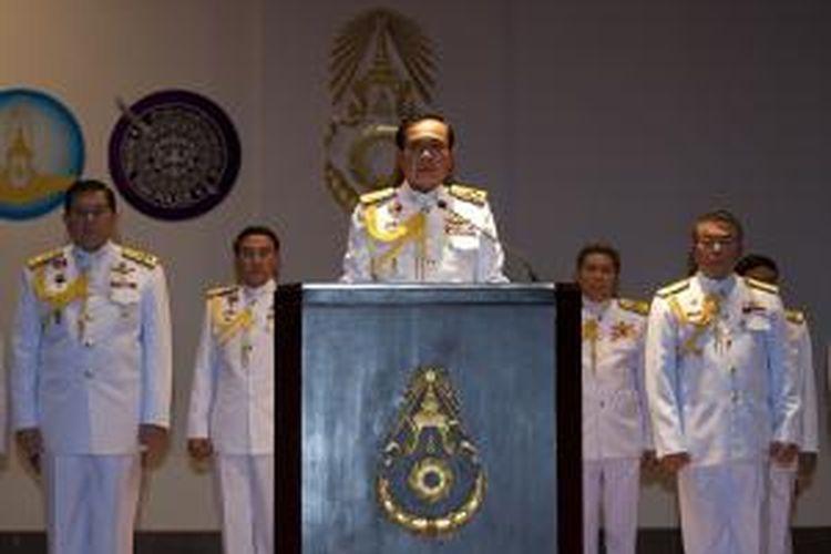 Jenderal Prayut Chan-O-Cha, pemimpin kudeta Thailand, dalam jumpa pers pertamanya di Bangkok, Senin (26/5/2014).