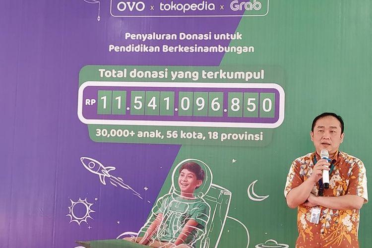 Direktur PT Visionet Internasional (OVO) Harianto Gunawan menyampaikan sambutan ketika menyerahkan donasi secara simbolis kepada penerima di Rumah Yatim kawasan Kemang, Jakarta Selatan, Selasa (6/8/2019).