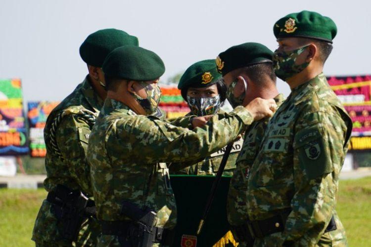 Panglima Komando Cadangan Strategis Angkatan Darat (Pangkostrad) Letjen TNI Dudung Abdurachman melantik Brigjen TNI Kunto Arief Wibowo menjadi Panglima Divisi Infanteri (Pangdivif) 3 Kostrad.