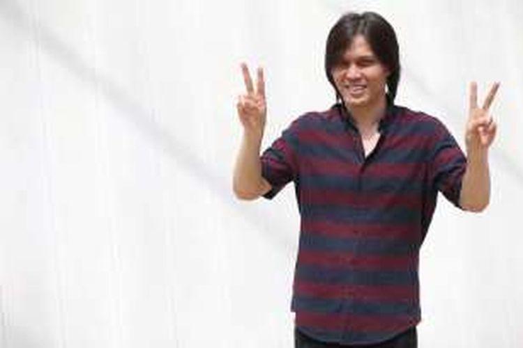 Penyanyi  Elfonda Mekel atau Once terlibat pembuatan video klip untuk calon gubernur DKI Jakarta, Basuki Tjahaja Purnama di ruang publik terpadu ramah anak (RPTRA) Kalijodo, Jakarta Barat, Kamis (5/1/2017). Keterlibatan ini diakui sebagai bentuk dukungan terhadap calon gubernur DKI Jakarta nomor urut 2 tersebut.