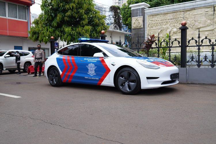 Korlantas gunakan Tesla Model 3 sebagai mobil patroli