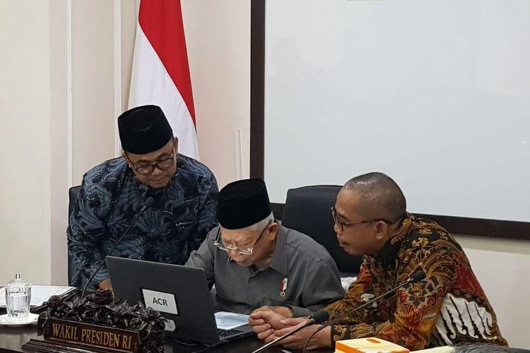 Wapres Maruf Amin saat menyampaikan laporan SPT PPh 2019 di Kantor Wapres, Jalan Medan Merdeka Utara, Jakarta Pusat, Selasa (3/3/2020).