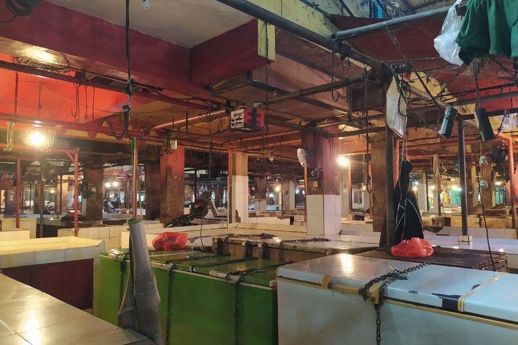 Suasana sekumpulan kios pedagang daging sapi yang sepi karena mogok jualan mulai hari ini hingga Jumat (22/1/2021) di Pasar Anyar, Kota Tangerang, Banten, Rabu (20/1/2021) pagi.