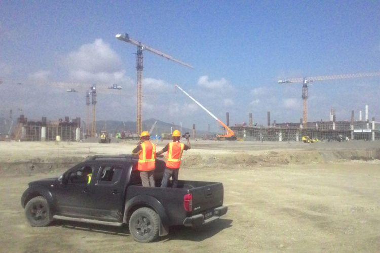 Pembangunan bandara NYIA di Kabupaten Kulon Progo, DIY, berlangsung dengan sangat cepat. PT PP mengerahkan 14 crane untuk menyelesaikannya. Mereka menargetkan bandara bisa beroperasi secara minimal di April 2019 ini.