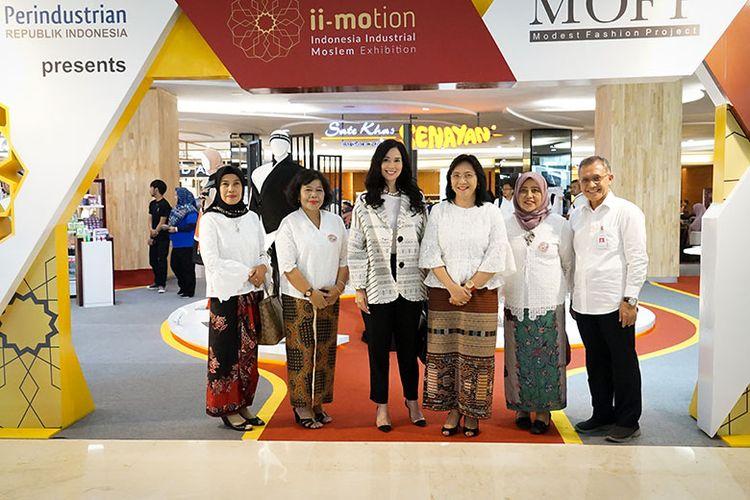 Dirjen IKMA Gati Wibawaningsih (ketiga dari kanan) saat launching ii-Motion di FX Sudirman, Jakarta.
