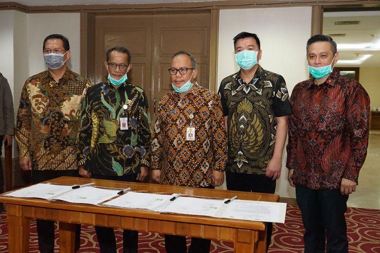 Penandatanganan Kesepakatan antara Kementan, Pemasok, dan Produsen Pangan dalam rangka menghadapi pandemi virus corona dan HKBN 2020