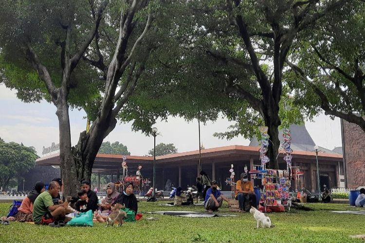 Taman Mini Indonesia Indah (TMII), Jakarta Timur, dibuka kembali pada hari ini, Selasa (18/5/2021), setelah ditutup pada 16-17 Mei 2021.