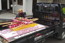 Karangan Bunga Bernada Protes