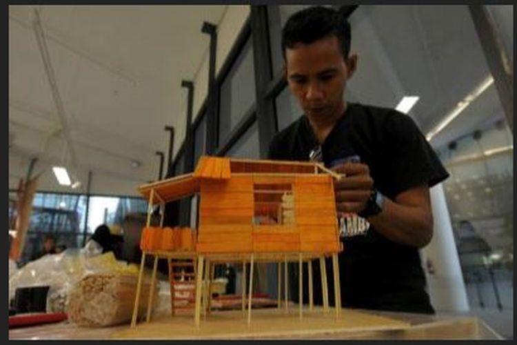 Contoh Proses Pembuatan Konstruksi Miniatur Rumah Dari Styrofoam