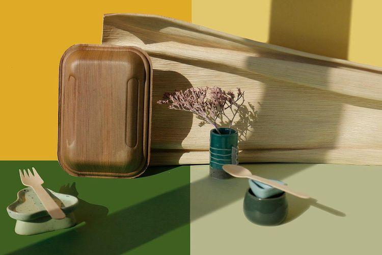 Plepah, wadah makanan dari pelepah pinang yang ramah lingkungan.