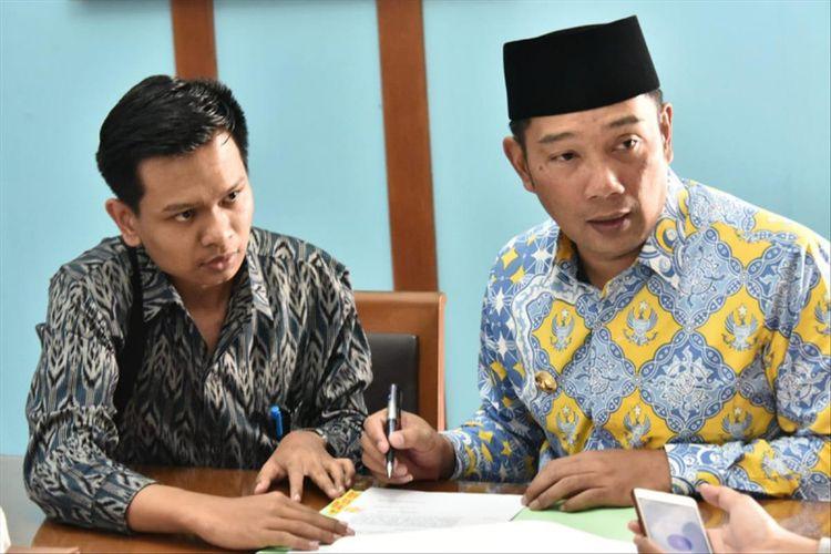 khalil Ibrohim (22), teman tuli yang jadi salah satu peserta Jabar Future Leader yang berkesempatan menjadi ajudan Gubernur Jawa Barat Ridwan Kamil selama sepekan.