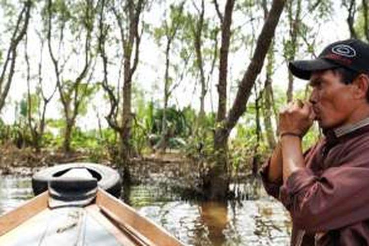Pulau Kaget terletak di tengah Sungai Barito, Kecamatan Alalak, Kabupaten Barito Kuala, Kalimantan Selatan. Pulau ini merupakan rumahnya bagi satwa bekantan.