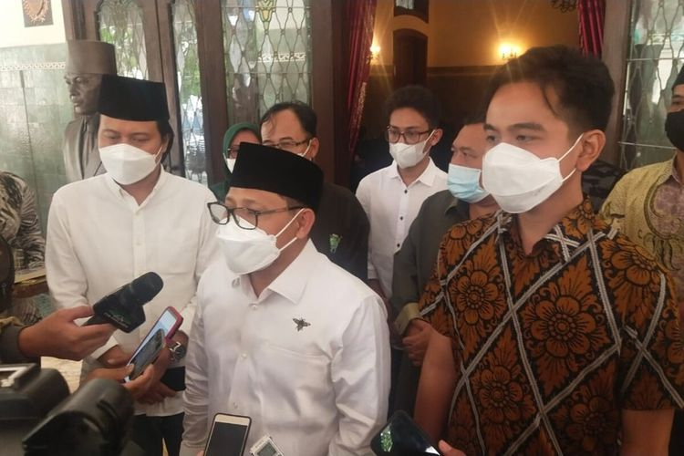 Ketua Umum Partai Kebangkitan Bangsa (PKB) Muhaimin Iskandar dan Wali Kota Solo Gibran Rakabuming Raka di Loji Gandrung Solo, Rabu (24/3/2021).