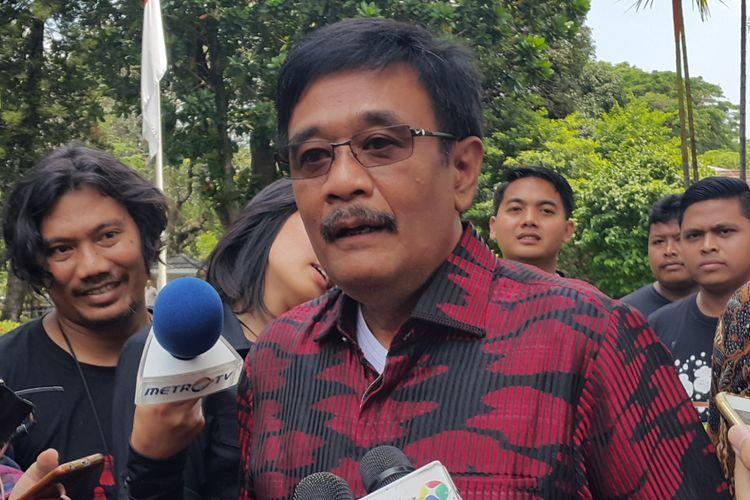 Gubernur DKI Jakarta Djarot Saiful Hidayat di rumah dinasnya, Jalan Taman Suropati Nomor 7, Jakarta Pusat, Sabtu (14/10/2017).