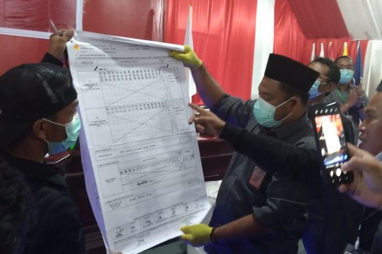 Salah satu moment di rapat pleno rekapitulasi suara di KPU Nunukan