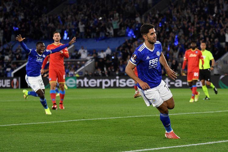Pemain Leicester City Aypze Perez saat membobol gawang Napoli pada pertandingan Liga Europa di Stadion King Pwer, Jumat (17/9/2021) dini hari WIB.