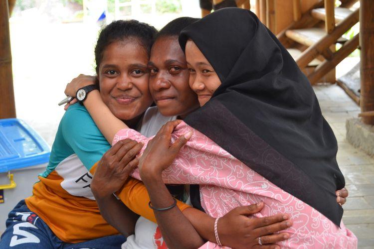 Ekspedisi Bhinneka untuk Bangsa digagas Yayasan Helping Hands bertujuan menyatukan berbagai anak bangsa dari Aceh hingga Papua, dengan beragam suku, agama hingga perbedaan kondisi fisik ke dalam sebuah kurikulum ekspedisi alam outdoor education yang dilangsungkan di OBI Eco Campus, Jatiluhur, Jawa Barat, dari tanggal 25 Oktober hingga 1 November 2019.