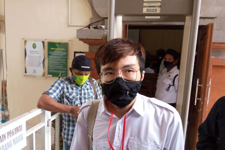 Influencer Tirta Mandira Hudhi  di PN Denpasar, Selasa (10/11/2020).