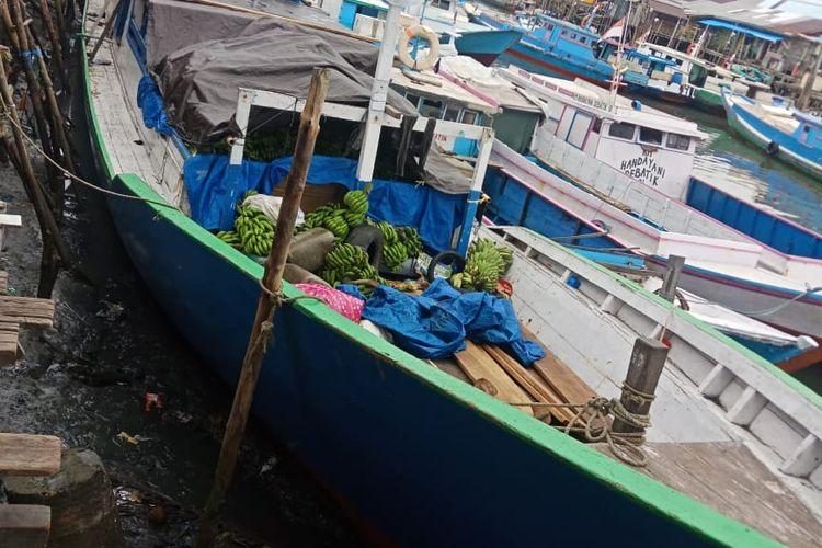 KM Savina 2, kapal asal Toli Toli Sulteng ini biasa membawa pisang dan kelapa ke Tarakan Kaltara. Kapal ini diamankan di Mako Satpolair Tarakan karena kasus penikaman oleh salah satu penumpang kapal