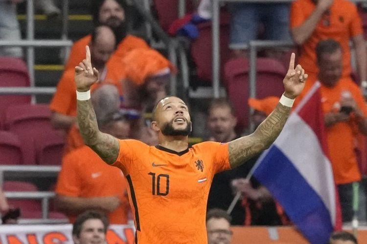 Penyerang timnas Belanda Memphis Depay mencetak gol pertama negaranya pada laga kontra Austria di Stadion Johan Cruyff Arena, Asmterdam, pada Jumat (17/6/2021) dini hari WIB